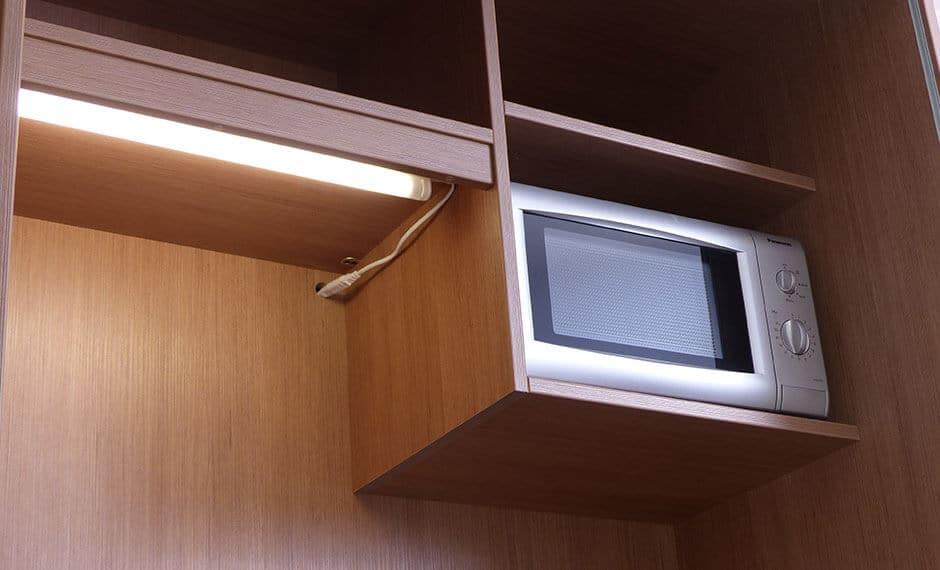 eingebaute Mikrowelle für die Hotelzimmereinrichtung