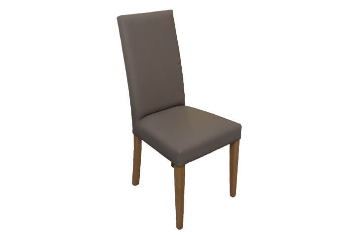 klassischer Stuhl mit Lederbezug für die Hotelzimmereinrichtung
