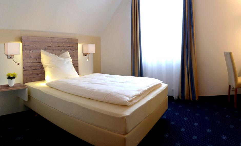 Hotelbett aus der Hotelmöbel-Serie City-Styles