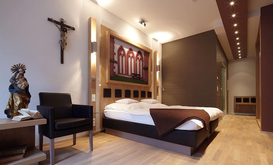Problemlösung für Hotelzimmermöbel in historischen Gebäuden